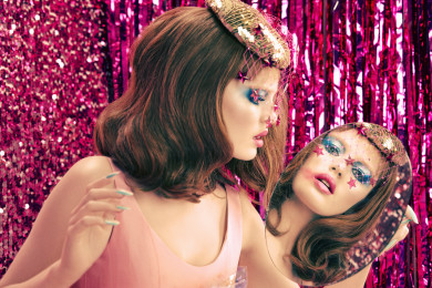 Polyester Magazine, Girls world, Beauty, Surreal, Millie Loggie, Select Models, Twin Peaks,, diana Gomez, Blue eyeshadow, 80's makeup, Blue and Pink, Mannequin