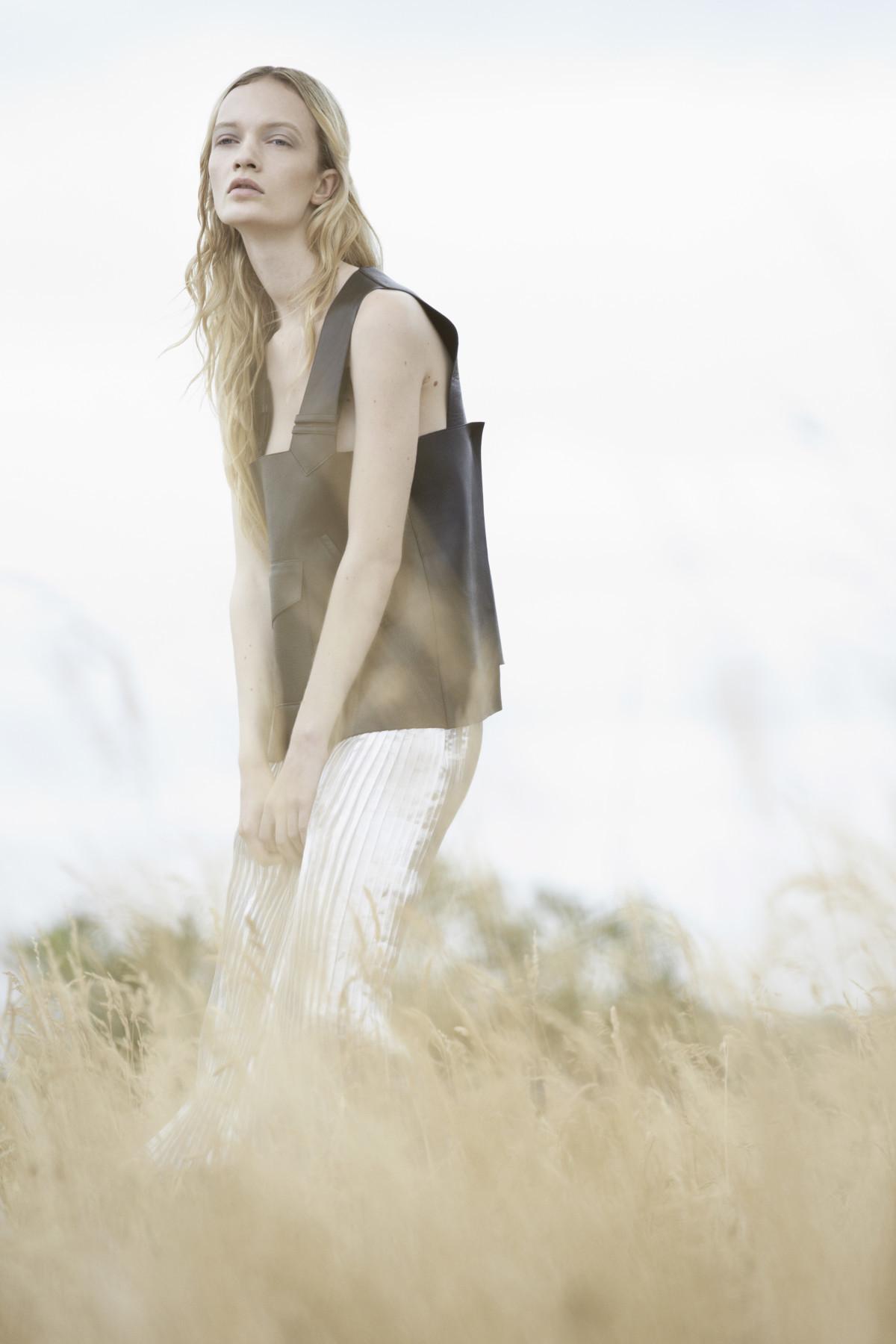 Schon Magazine, Philip Blythman, Through the Grass, Ida Dyberg,